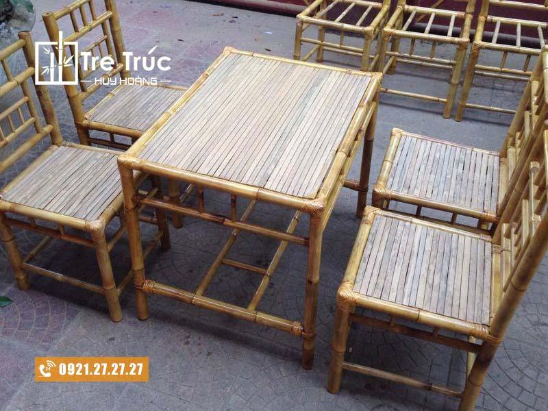 bàn ghế tre đơn giản